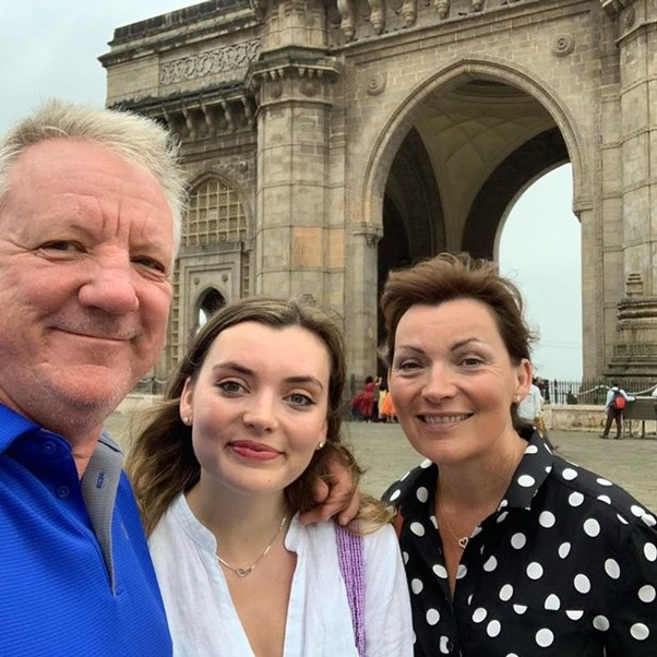 لورين كيلي ، زوج ستيف سميث وابنته روزي.